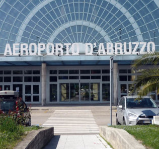 Aeroporto d'Abruzzo (Saga) - esterno