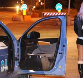 Servizio antiprostituzione della polizia di stato sulla statale adriatica. Servizio effettuato da fosso ghiaia a pinarella