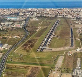 La pista dell'aeroporto (Foto di 'Amici dell'Aeroporto d'Abruzzo')