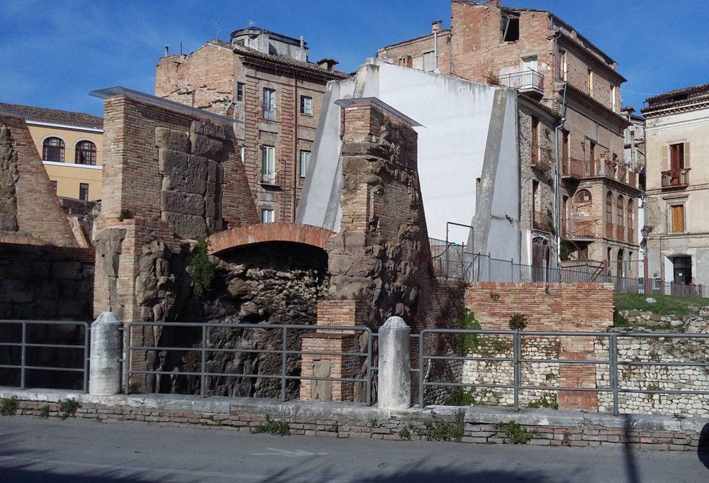 anfiteatro-romano-teramo1