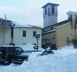 campotosto-chiesa-e-comune