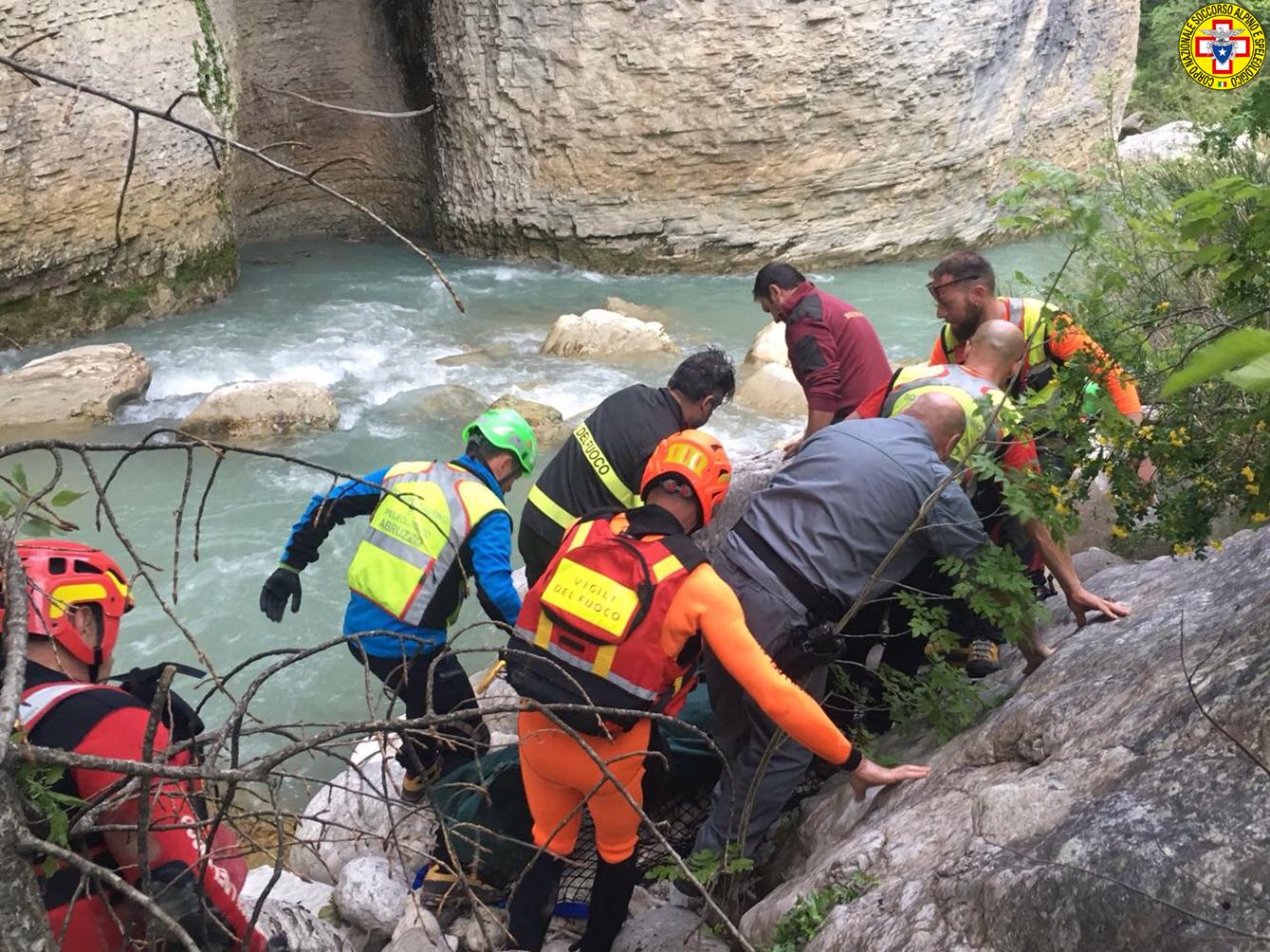 Coppia morta annegata nel fiume Orta, proseguono le ...