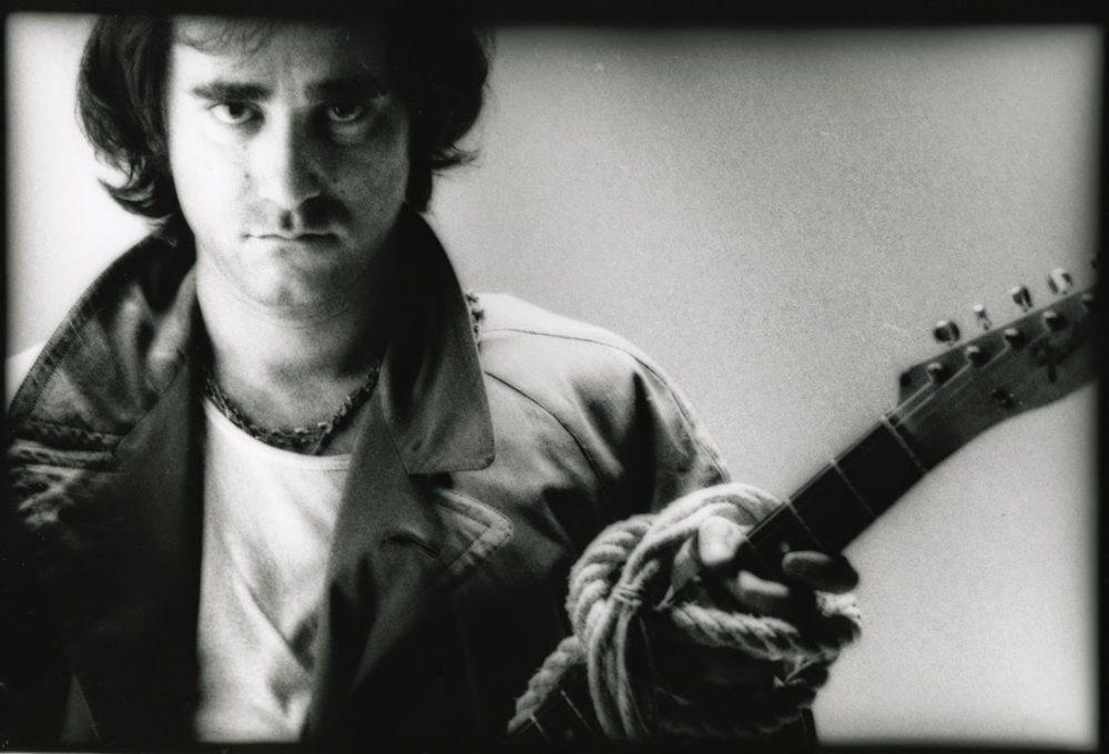 ivan-graziani-con-chitarra_bn_orizzontale