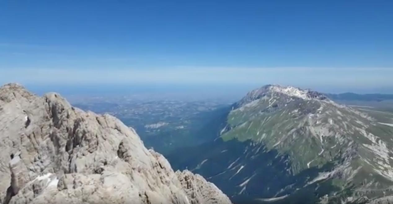 L Abruzzo Visto Dal Gran Sasso Lo Spettacolare Video Di