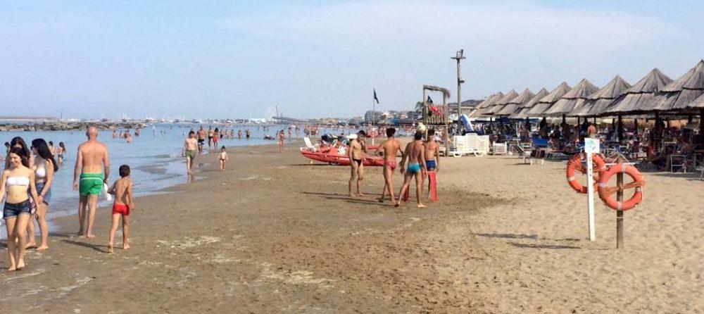 spiaggia-pescara-mare-estate-1