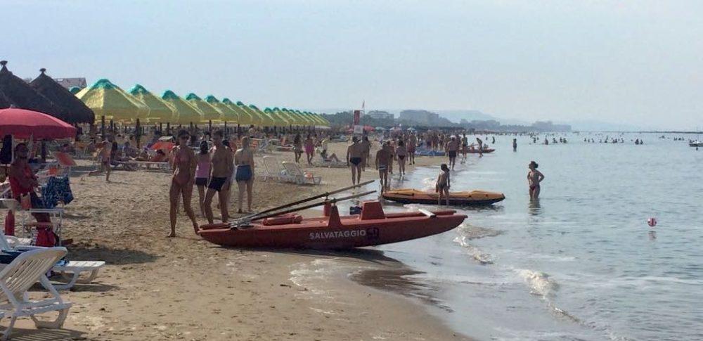 spiaggia-pescara-mare-estate-2