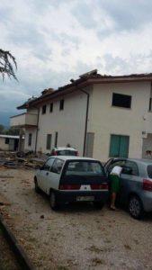 Tetti scoperchiati a Villareia di Cepagatti (foto da Facebook)
