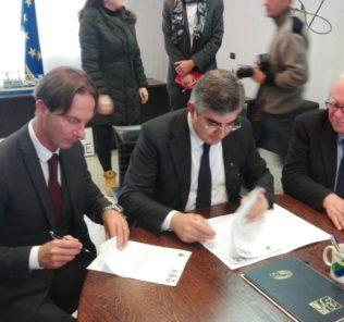 sindaco-mastromauro-con-dalfonso-riunione-su-caserma