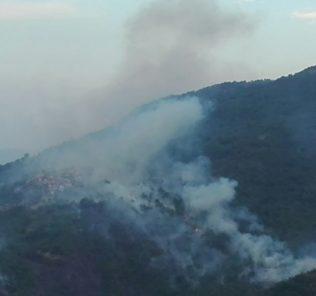 Montorio, fiamme e fumo a Cusciano
