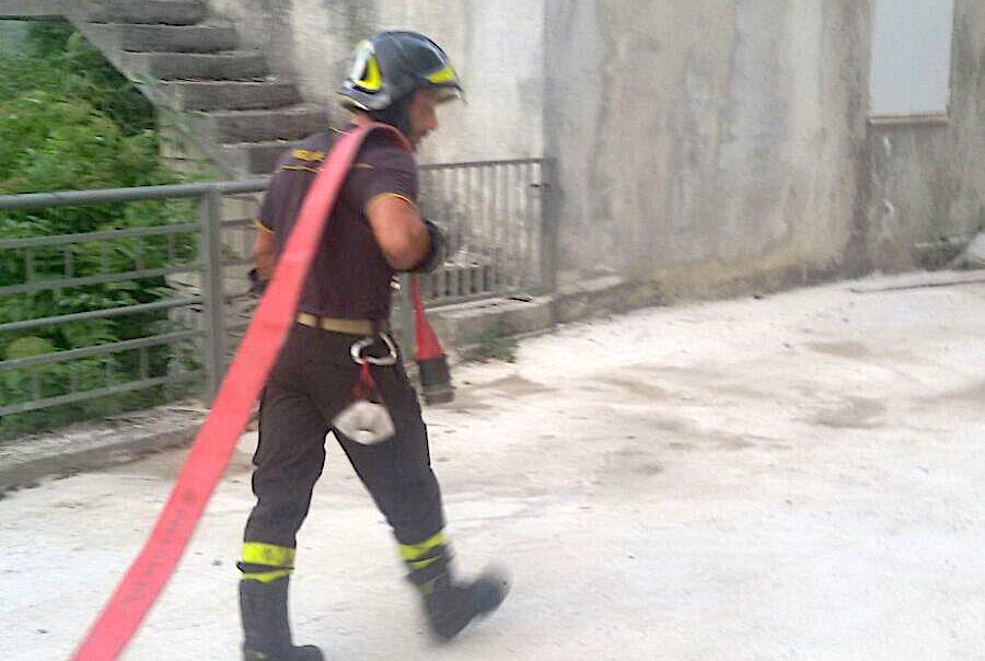 incendio-crognaleto-vigili-del-fuoco-2