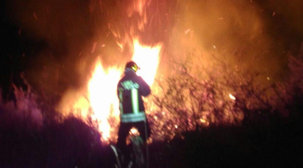 notaresco-incendio-vigili-del-fuoco