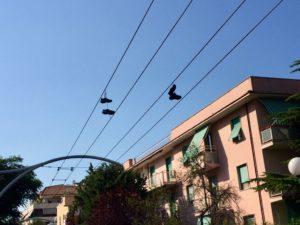 shoefiti-scarpe-appese-filovia-pescara-2