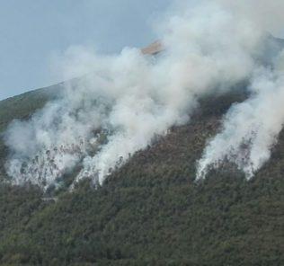 campli-incendio-montagna