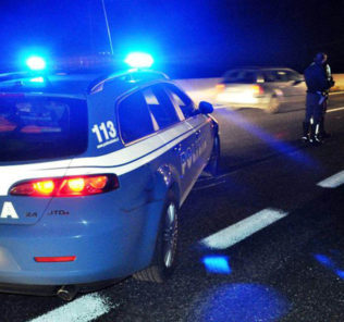 incidente-autostrada-notte-polizia-stradale