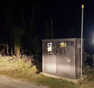 atti-vandalici-isola-del-gran-sasso
