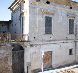 fossacesia-palazzo-mayer