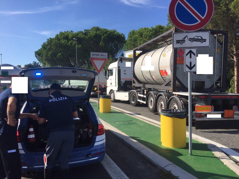 polizia-stradale-trasporti-speciali