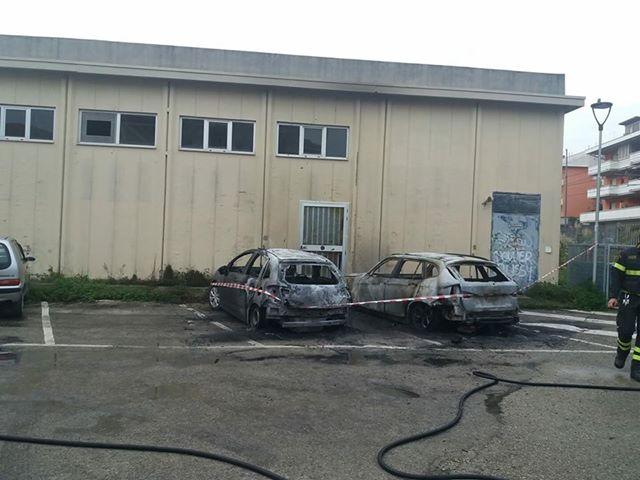 incendi-auto-silvi1