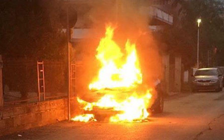 incendi-auto-silvi2