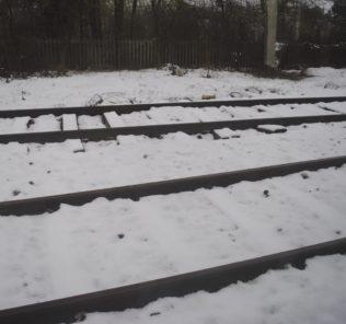 binari-con-la-neve