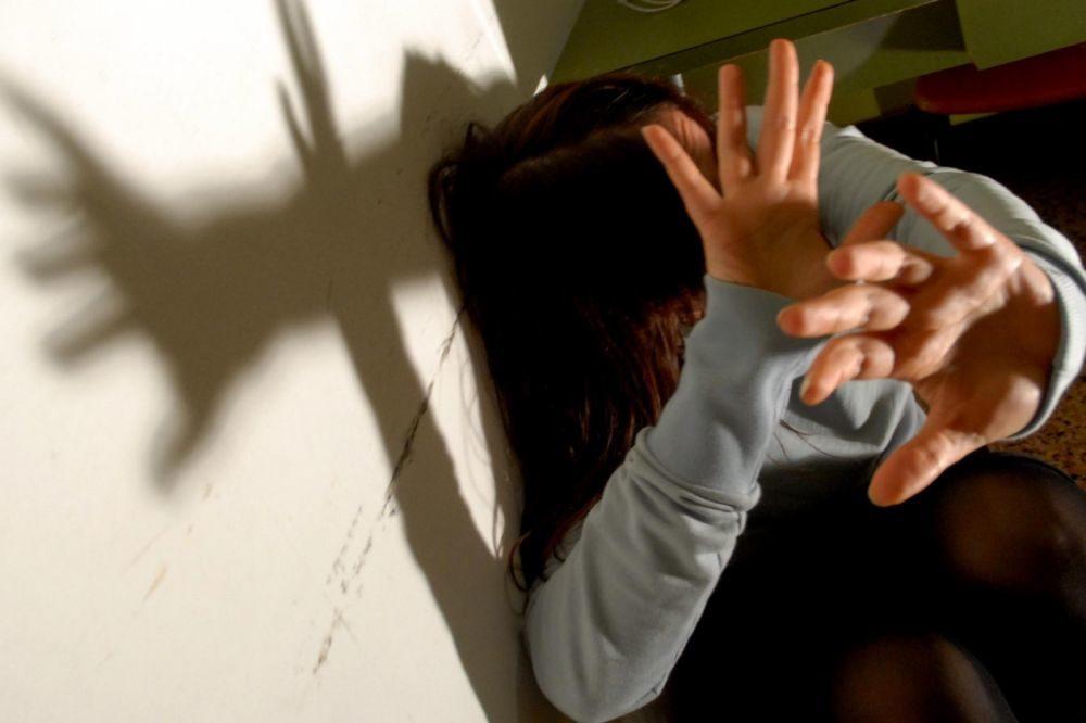 INAUGURATO LO SPORTELLO DI ASCOLTO PER LE DONNE VITTIME DI VIOLENZA DOMESTICA  PRESSO LA FONDAZIONE IRCCS POLICLINICO MANGIAGALLI (Agenzia: EMMEVI)  (NomeArchivio: VIOLEd5z.JPG)
